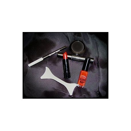 bloody-mary-s-diva-makeup-kit